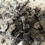 再利用もできる!炭の消火の仕方と後片付けのポイント